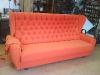 Sofa mit Rautenheftung